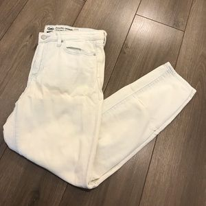 Light White washed Gap Jeans